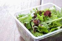 insalata in vaschetta
